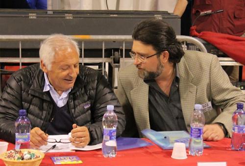 """Ramia Paolo Conti (compositore e autore) ha fatto parte della giuria del concorso """"Senza Etichetta 2010"""", presieduta dal celebre Mogol – Ciriè (TO), 30 maggio 2010"""