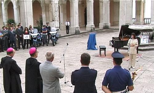 Ramia Luisa canta l'Ave Maria di Schubert all'abbazia di Montecassino - 18 agosto 2002