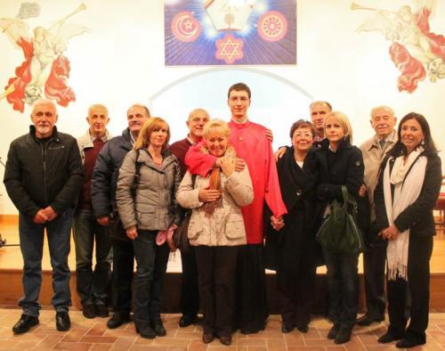 Consacrazione di ramia Davide Ghirardello, qui fotografato con i genitori, Laura e Daniele, e i parenti – Leini, 1 novembre 2011