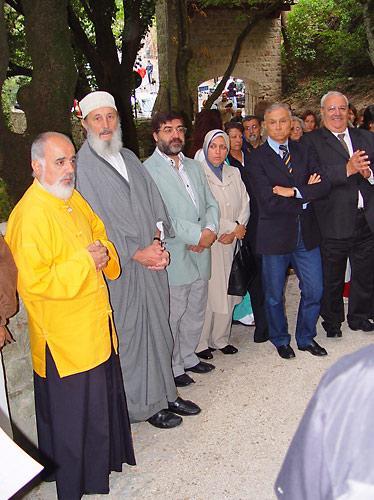 ramia Rosvaldo partecipa ad un incontro ecumenico per la Pace ad Assisi - settembre 2003