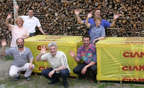 I forni del pane che abbiamo donato al Villaggio della Gioia, pronti per essere spediti in Tanzania - 6/6/2005